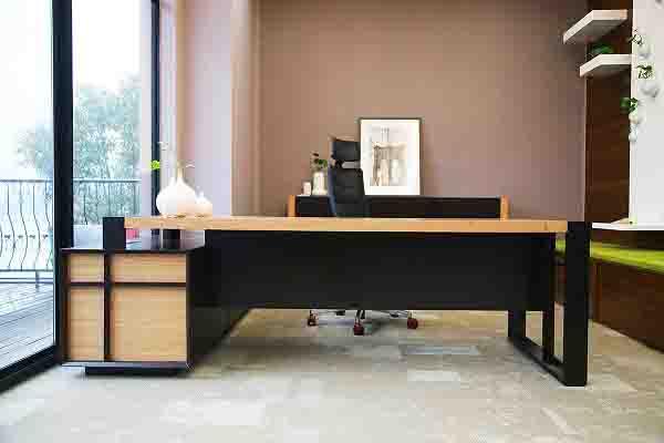 玛拉蒂Prime实木贴皮主管桌